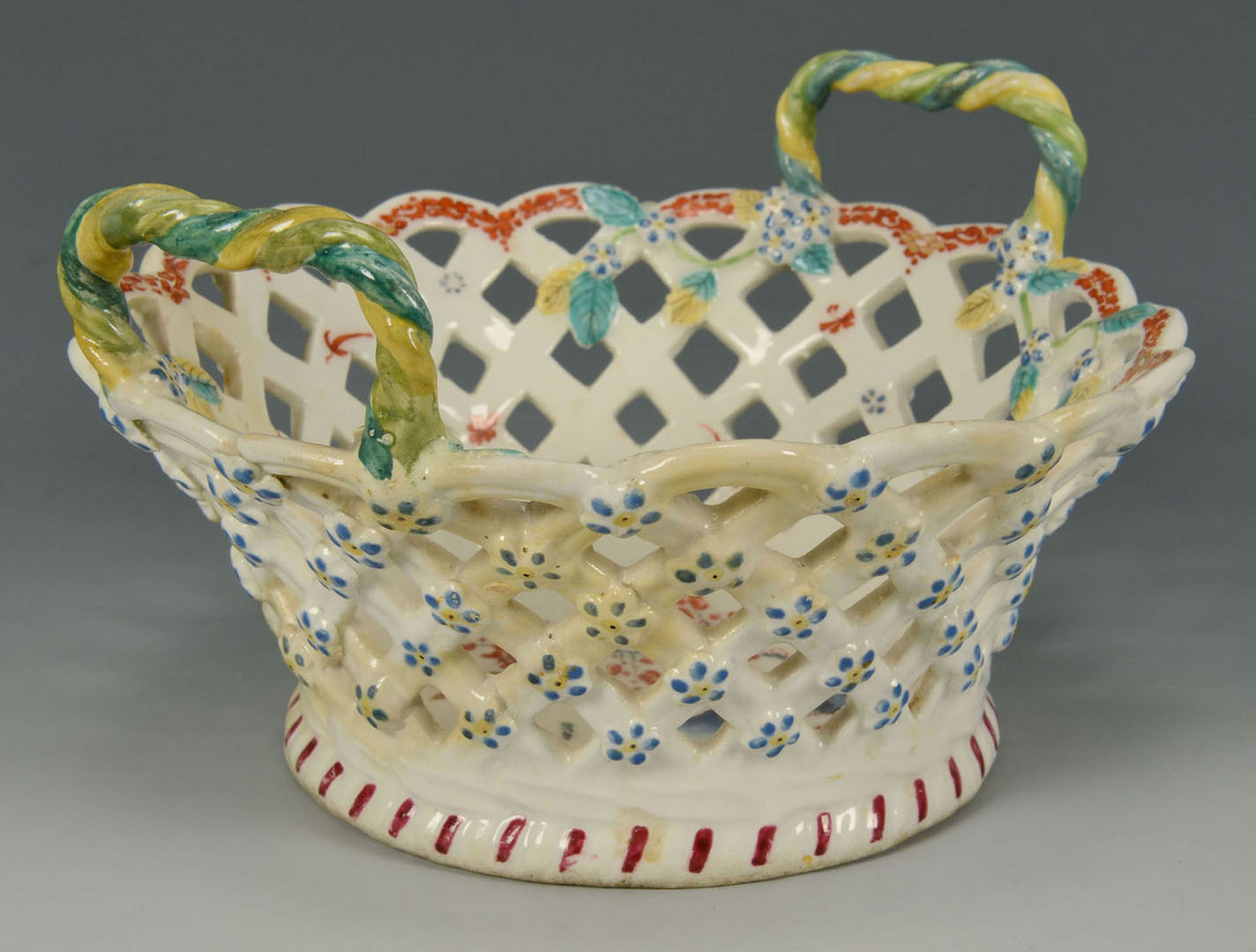 Lot 102: Three porcelain baskets, Worcester / Caughley