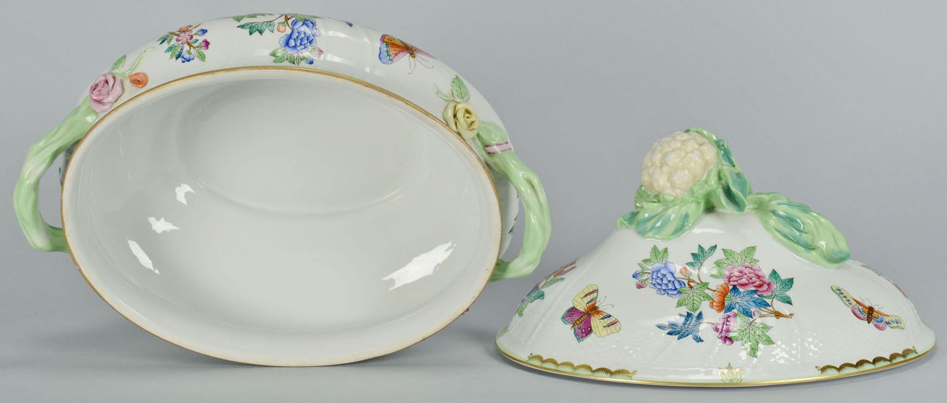 Lot 107: Herend Queen Victoria Lg. Tureen and 2 Platters