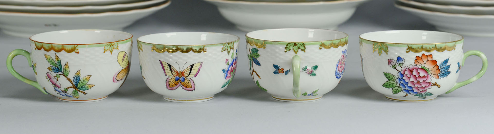 Lot 109: Herend Queen Victoria Dinnerware, 76 pcs