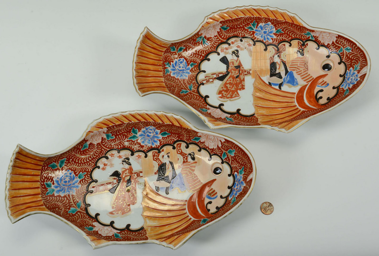 Lot 11: Pair of Japanese Imari Fish Platters