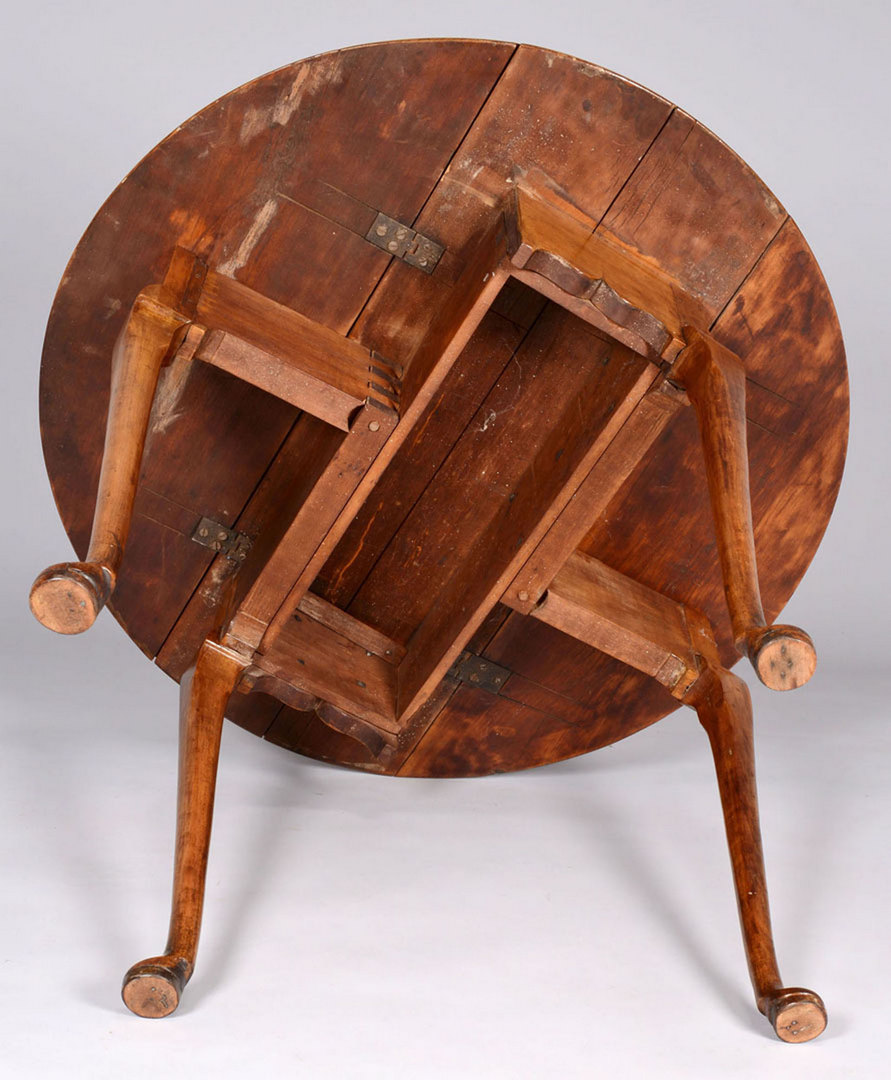 Lot 151: Queen Anne Dropleaf Tea Table, possibly R.I.