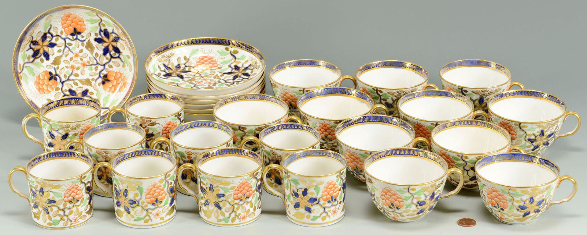 Lot 241: 27 pcs English Imari cups, saucers, poss. Worceste