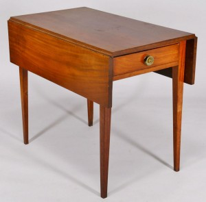 Lot 259: Pembroke Table with drawer, probably Midatlantic