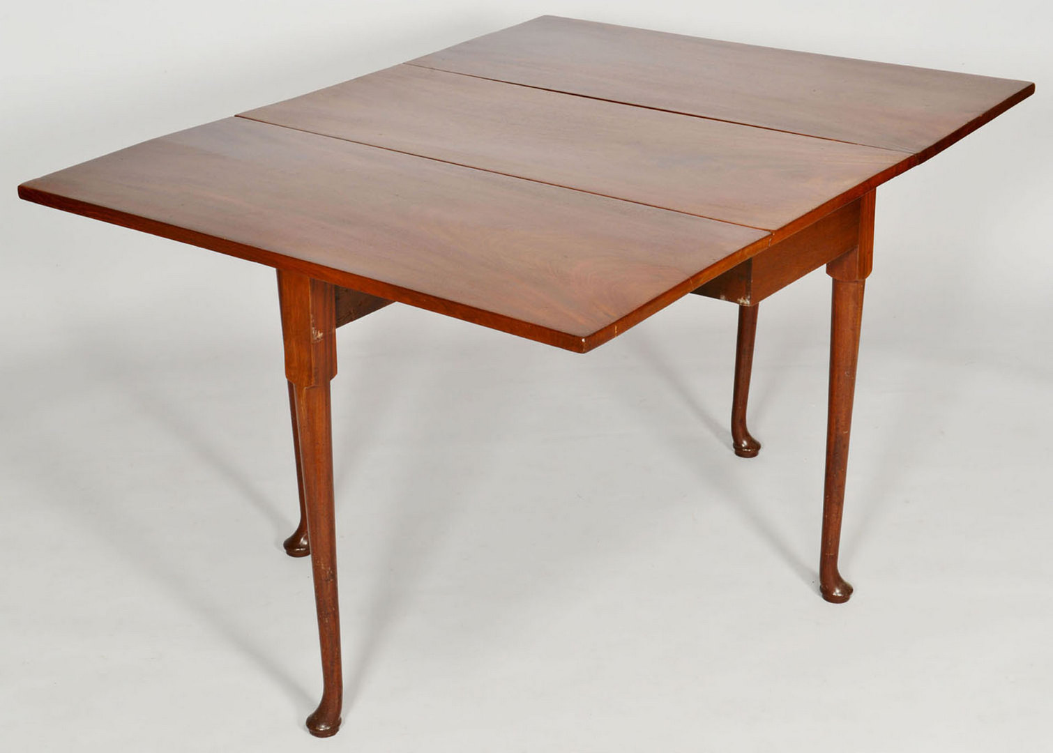 Lot 262: Queen Anne Drop Leaf Table