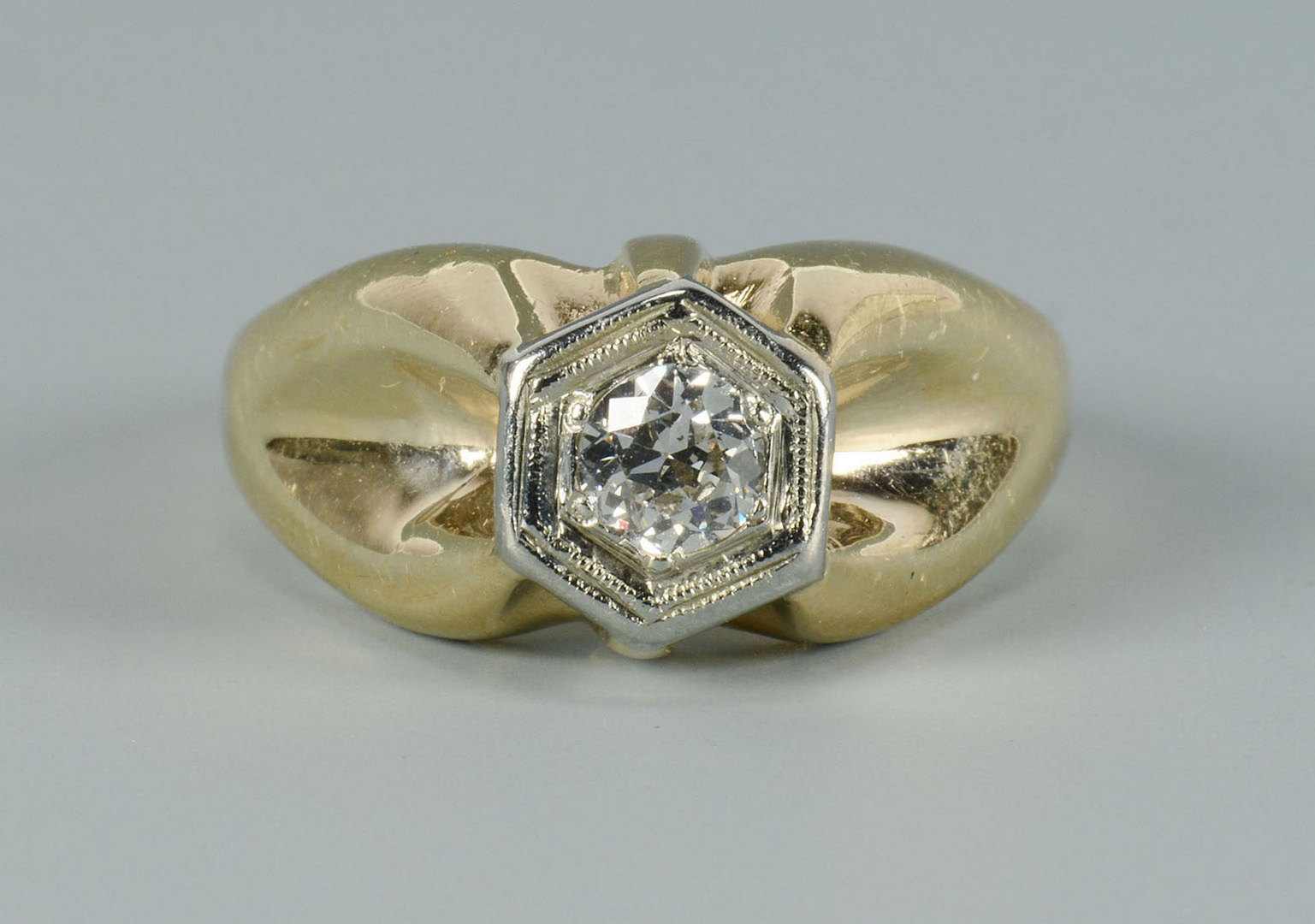 Lot 283: 14k Diamond Dome Ring