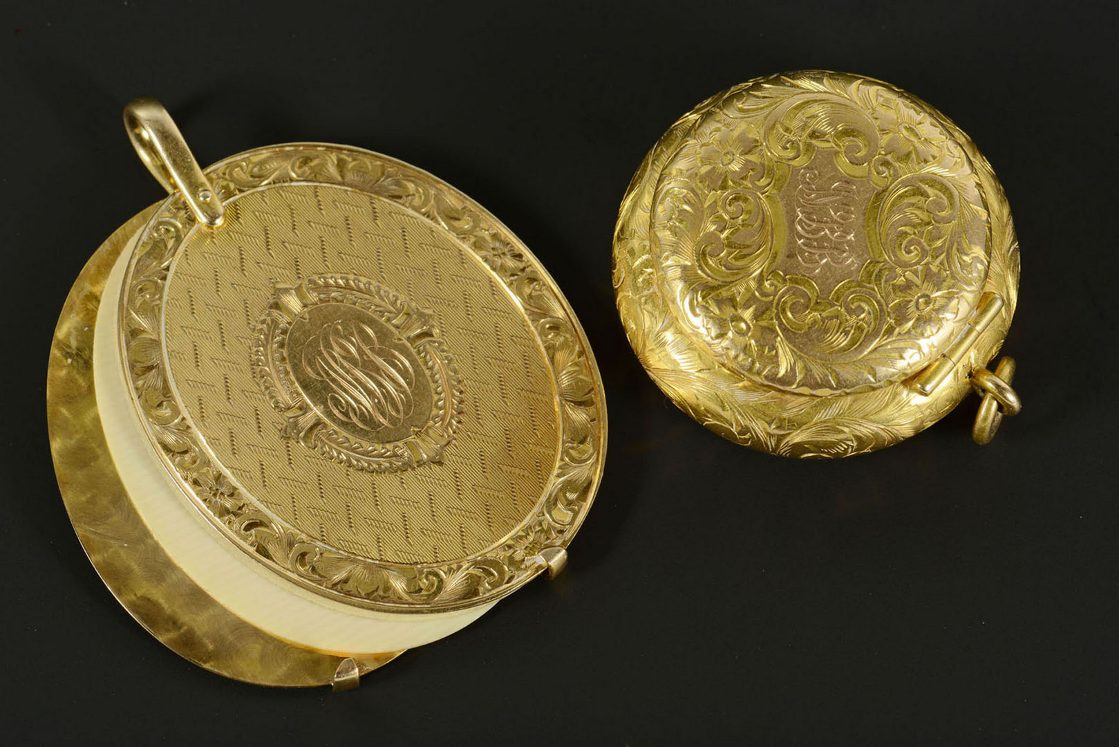 Lot 288: Lady's 14k Compact and 14k & Ivory Note Pad