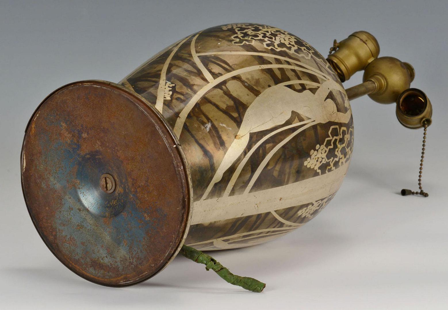 Lot 379: Art Deco Period Mica Lamp