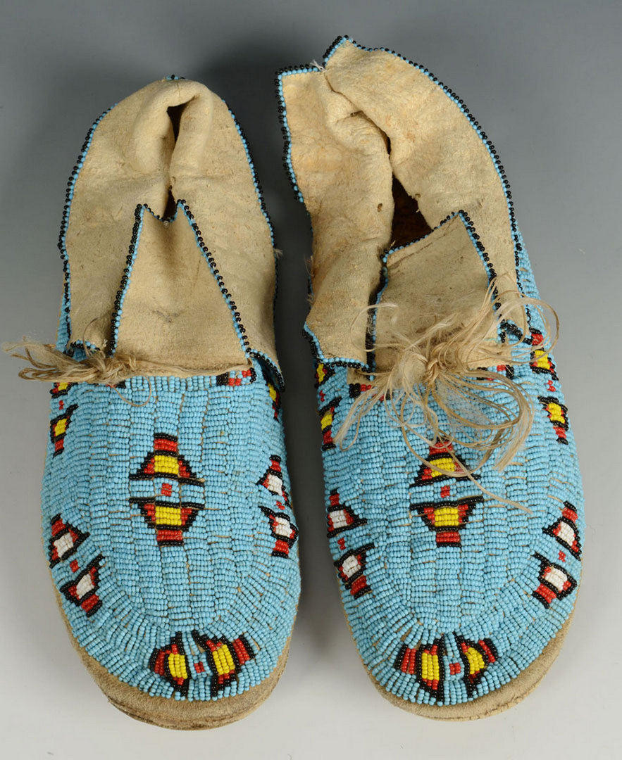 Lot 395: Pair Sioux Beaded Moccasins