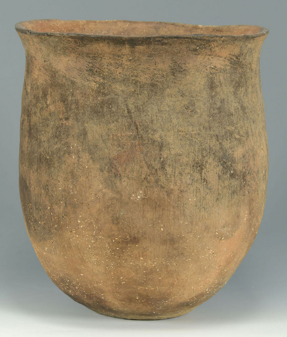 Lot 399: Large Caddo Burial Pottery Urn