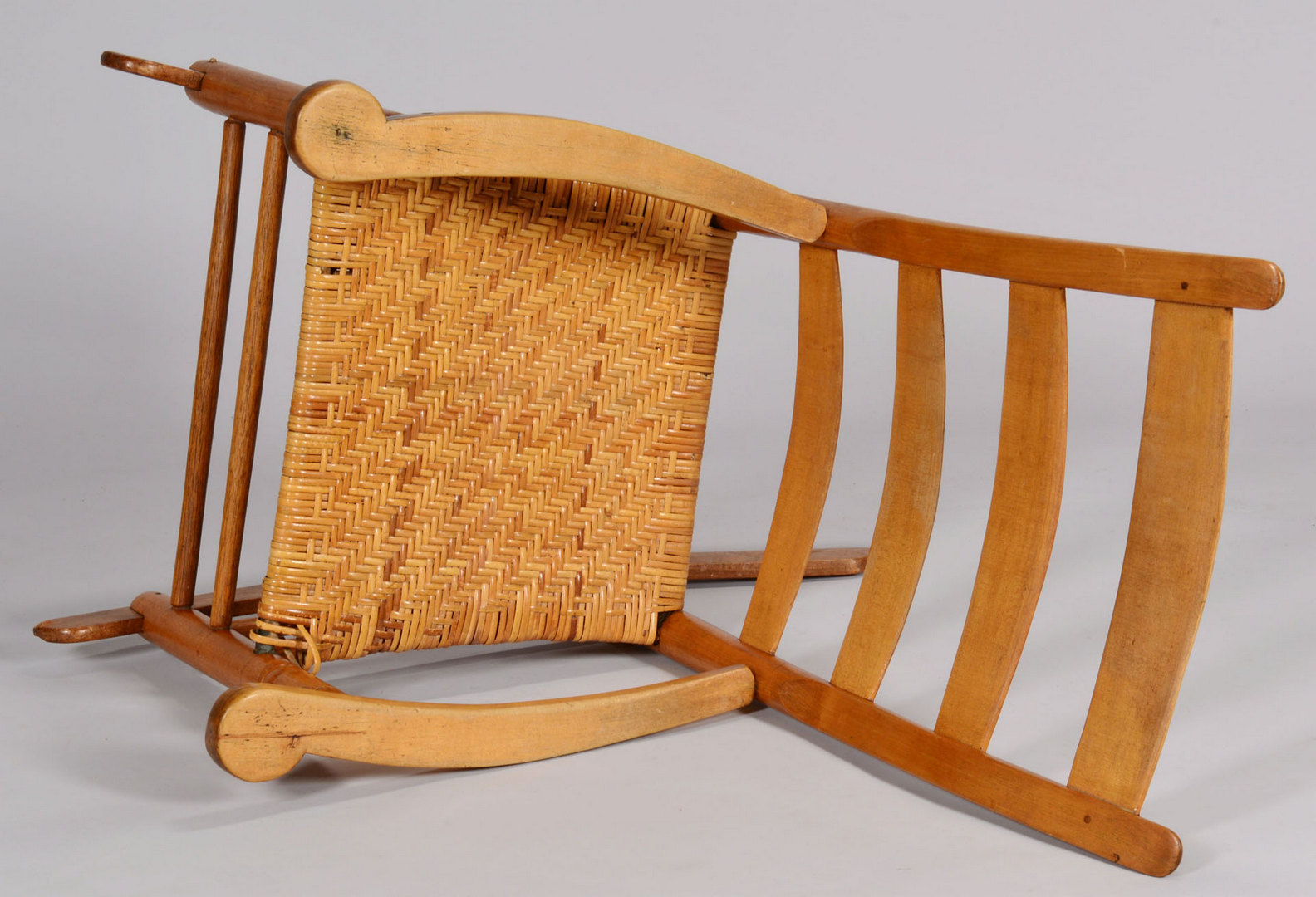 Lot 419: Tennessee Rocking Chair attr. Dick Poyner