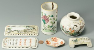 Lot 450: 6 pcs Chinese porcelain desk or scholar's objects