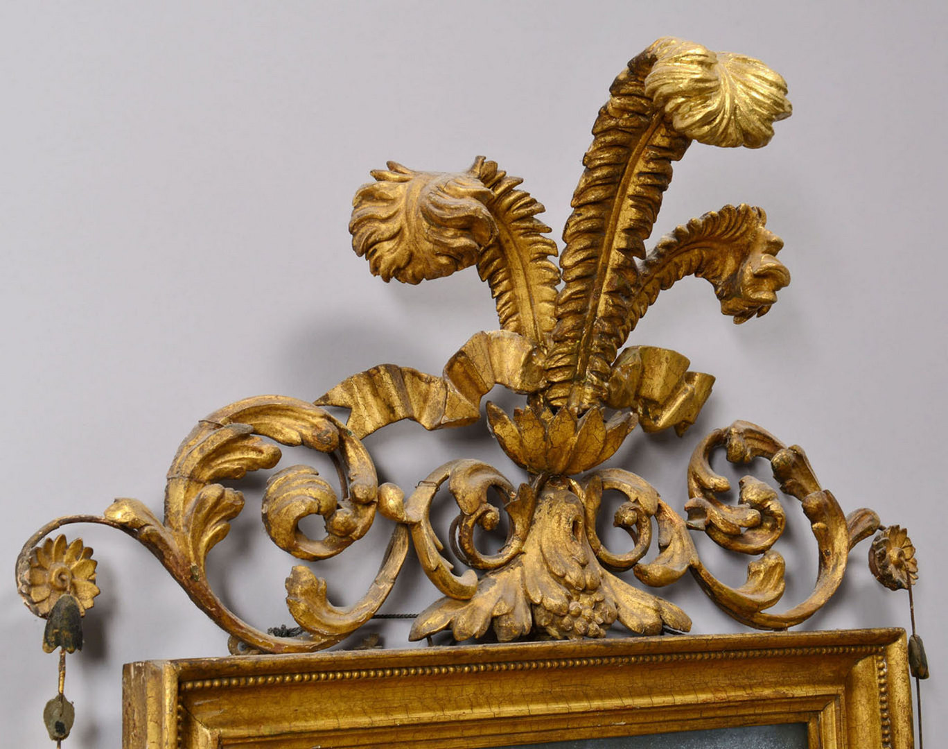 Lot 46: George III giltwood mirror w/ Prince of Wales feat