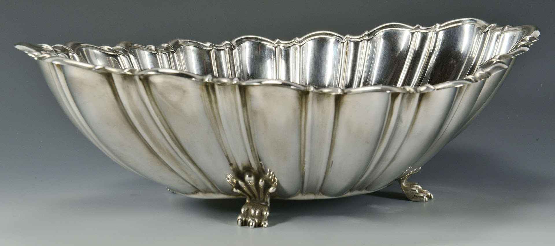 Lot 472: Reed and Barton sterling center bowl