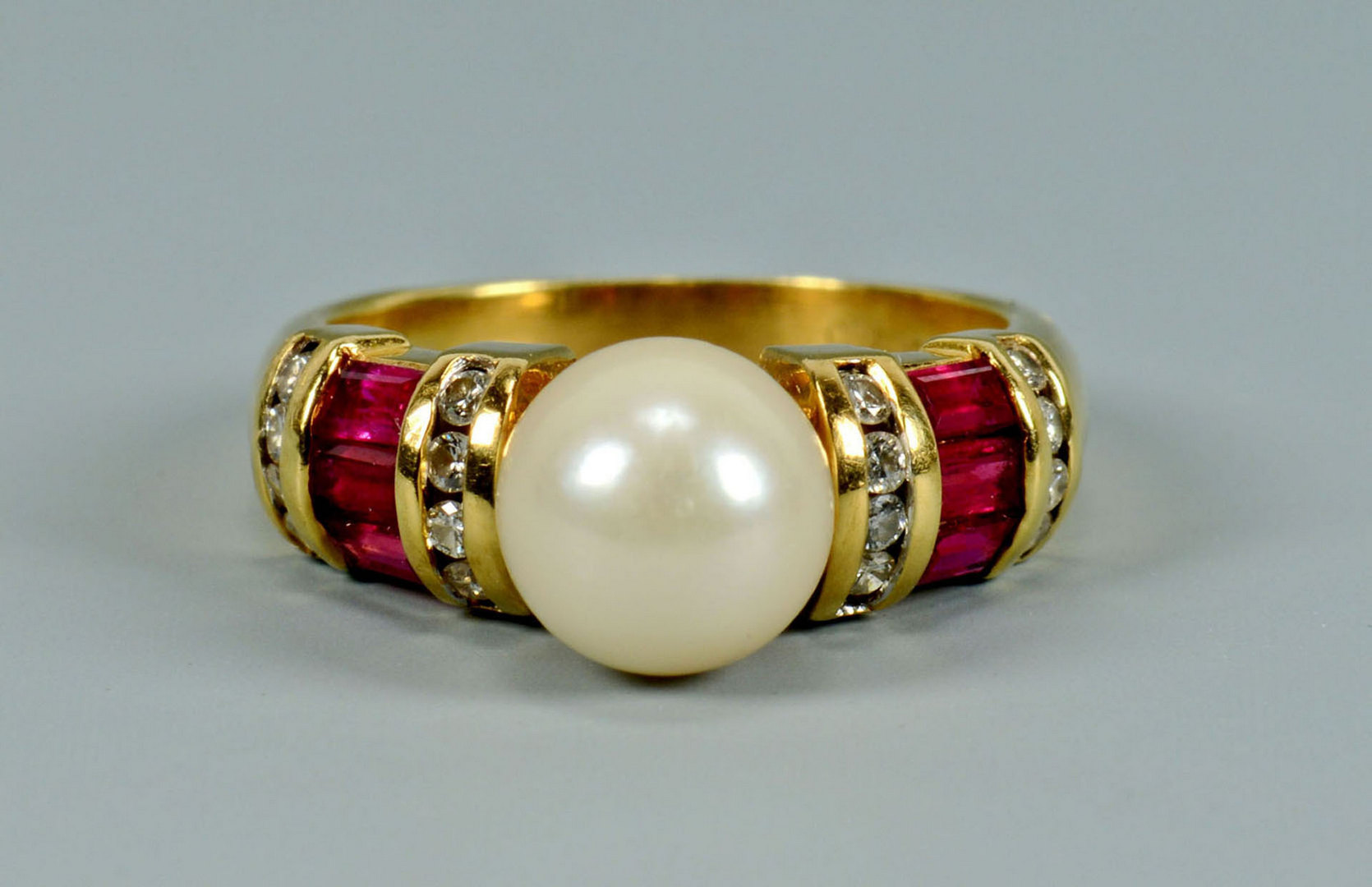 Lot 501: 18k Pearl, Diamond and Ruby Ring