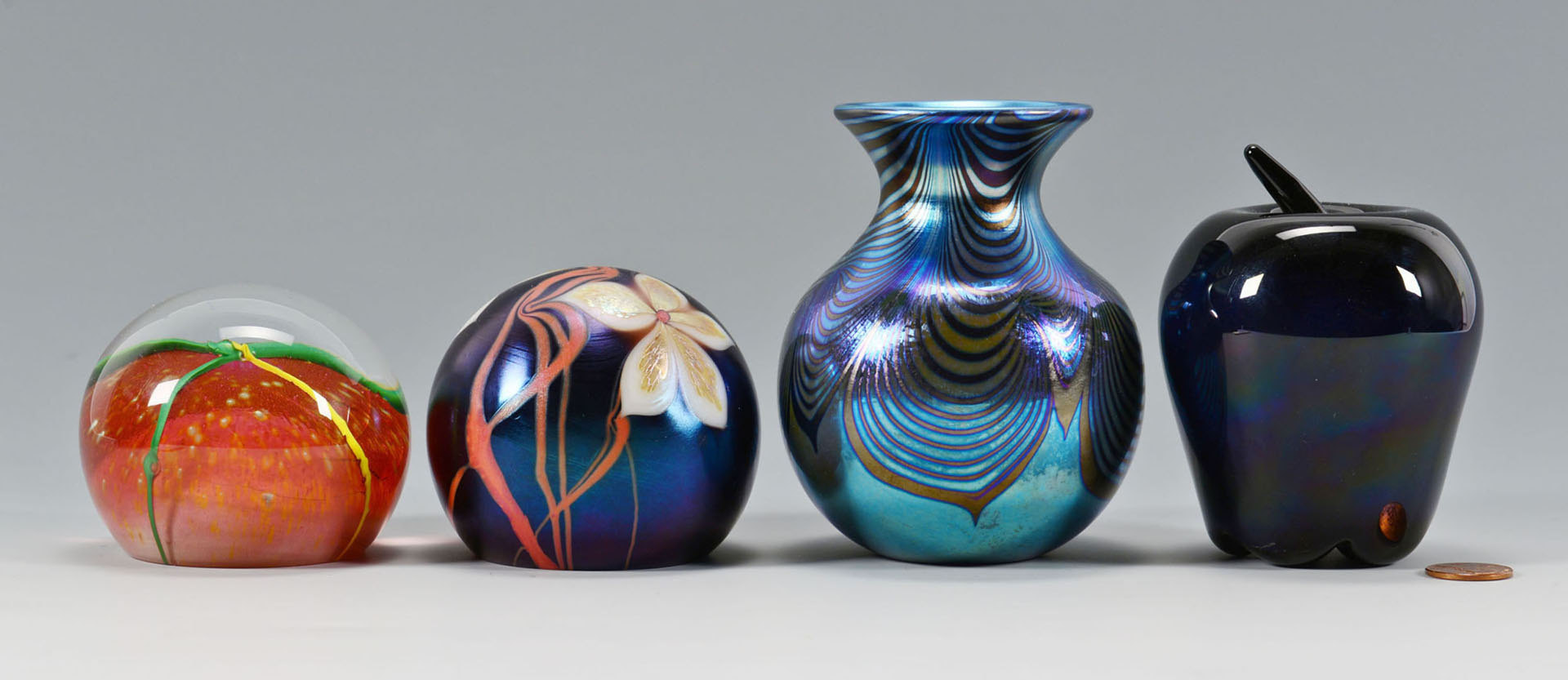 Lot 506: Correia Art Glass Works, 4 pieces inc paperweights