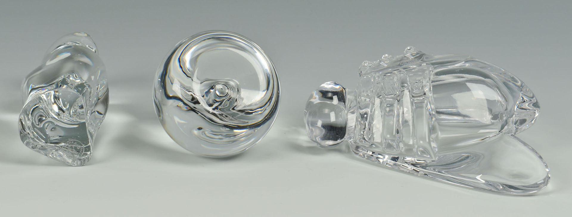 Lot 508: 3 art glass objects: Steuben, Baccarat, Vannes