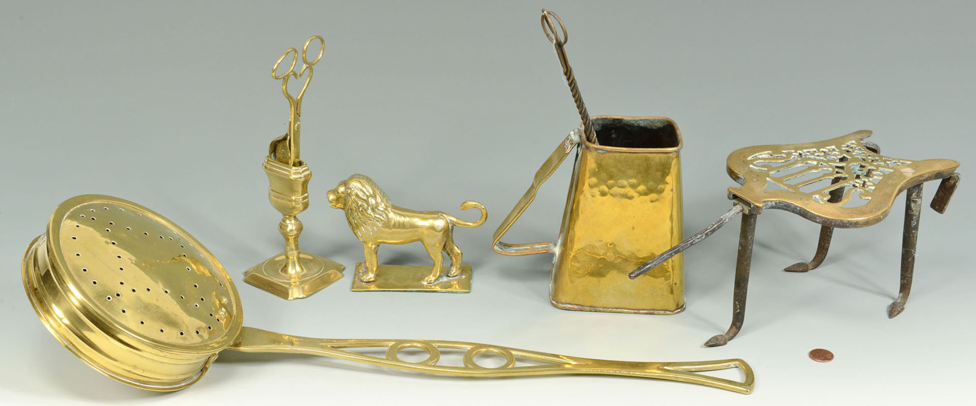 Lot 585: Grouping of Brass Accessories, 6 items total