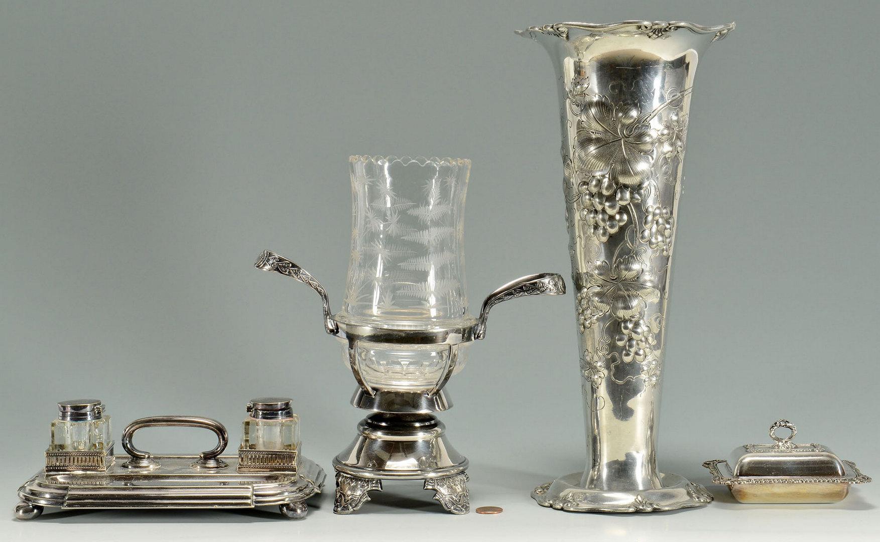 Lot 601: 4 pieces Victorian silverplate Hollowware