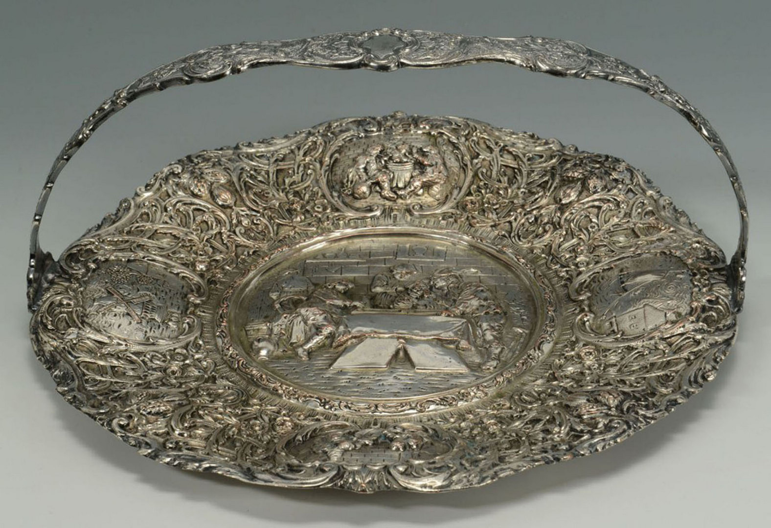 Lot 603: Five pieces Victorian Silverplated Hollowware