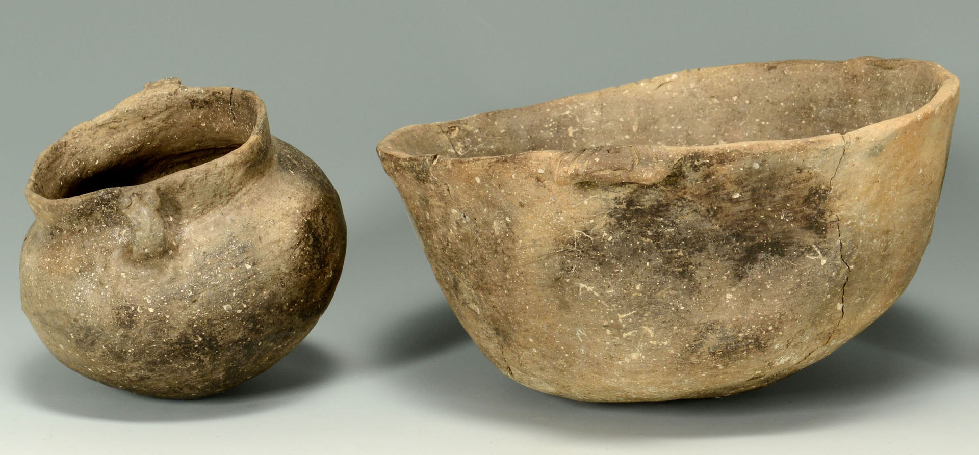 Lot 649: 2 Mississippian Greyware Pottery Items, Bowl & Jar