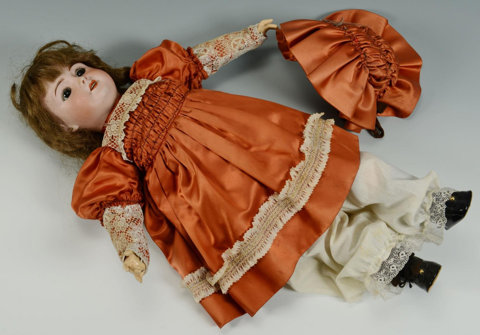 Lot 652: French S. F. B. J. #301 Bisque Head Doll
