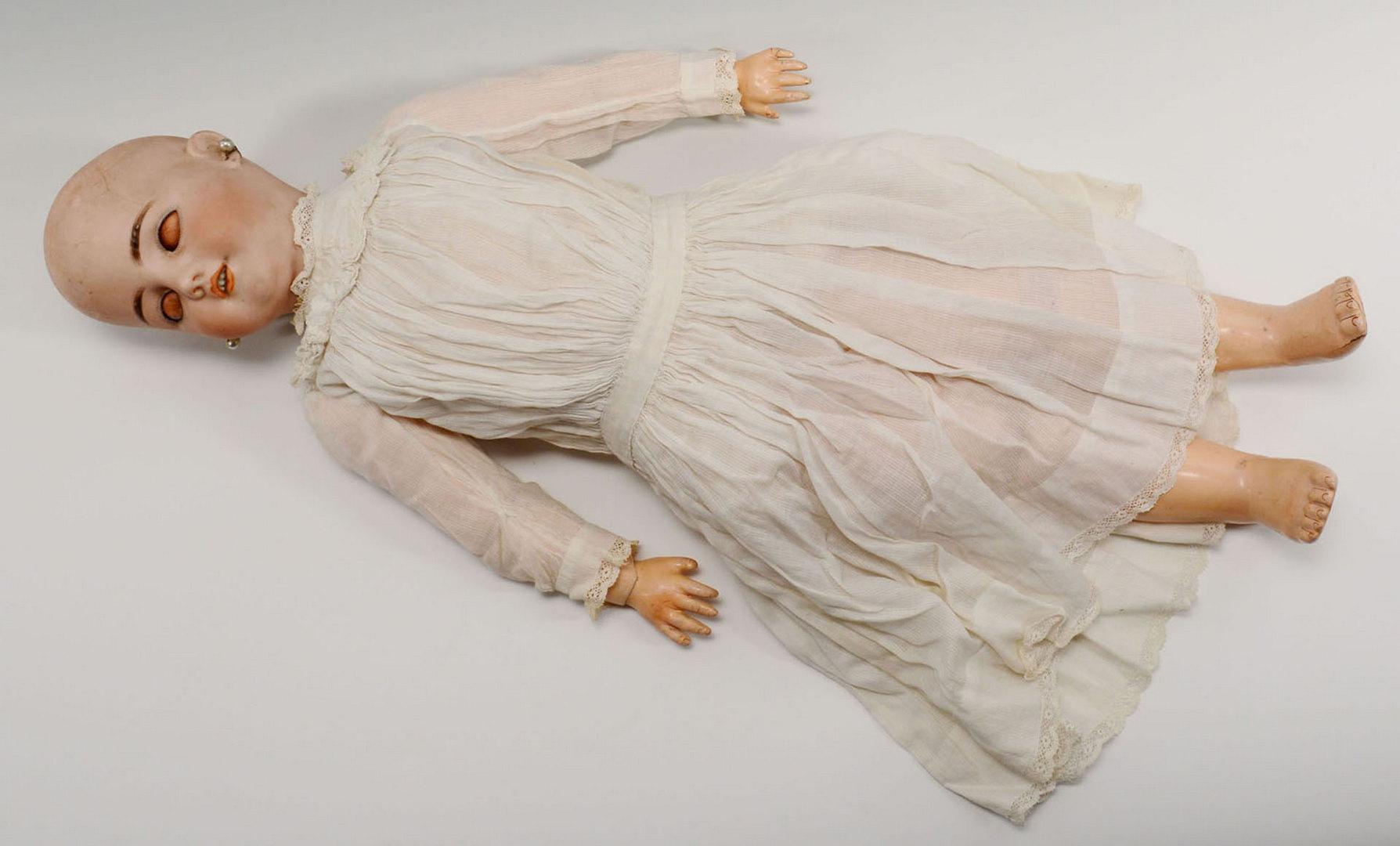 Lot 653: Simon & Halbig Doll w/ Additional Clothing