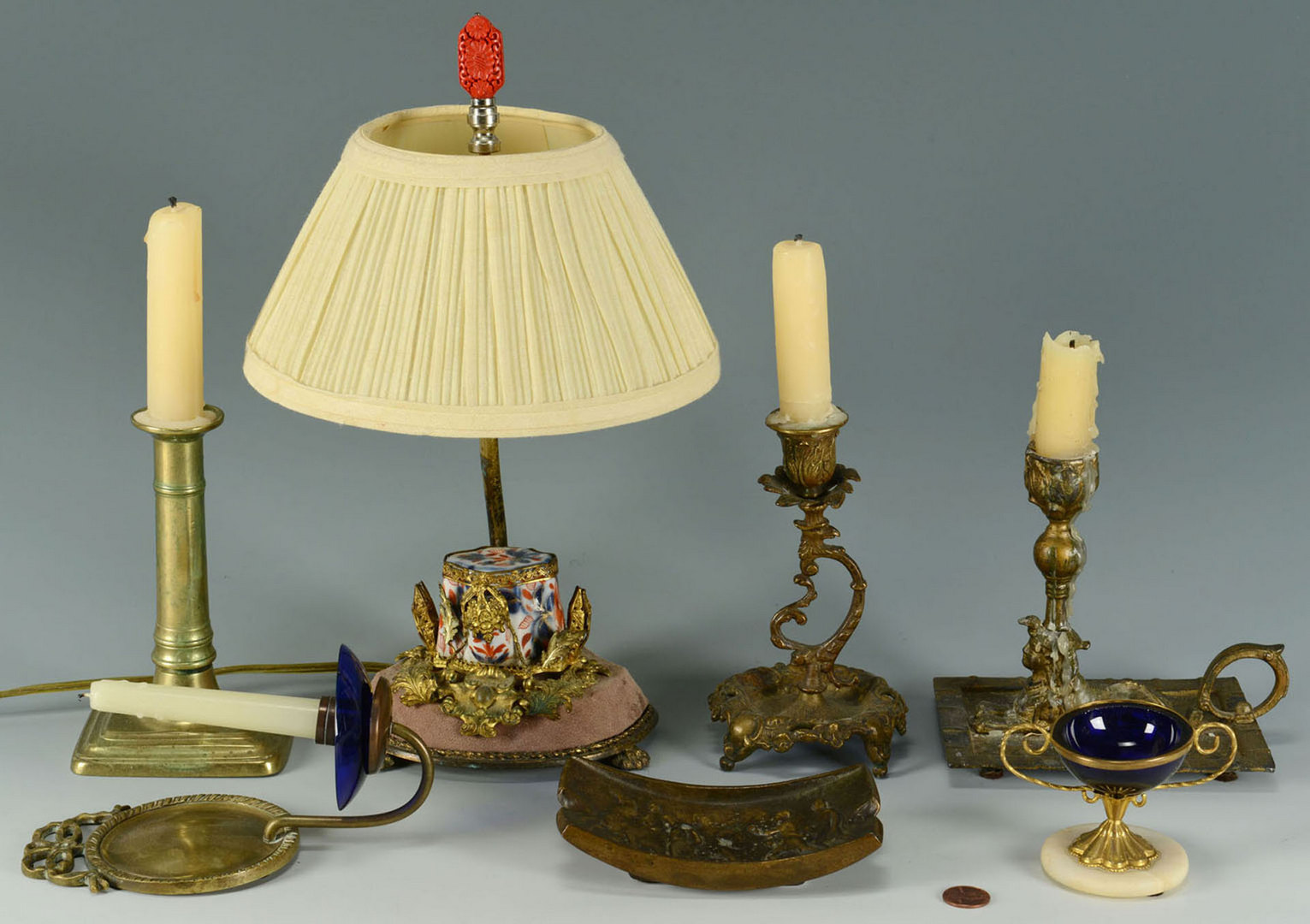Lot 666: Grouping of 7 Lighting & Accessory Items