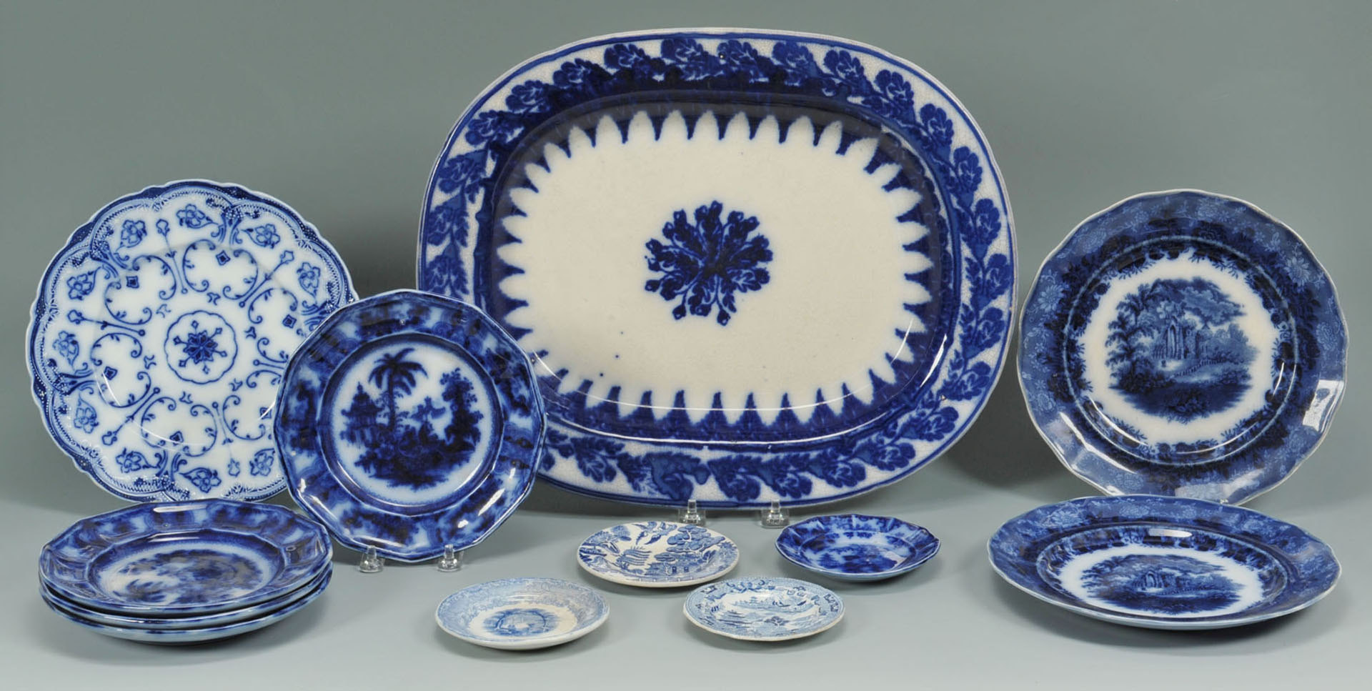 Lot 669: 12 pcs of English Ceramics, incl. Flow Blue