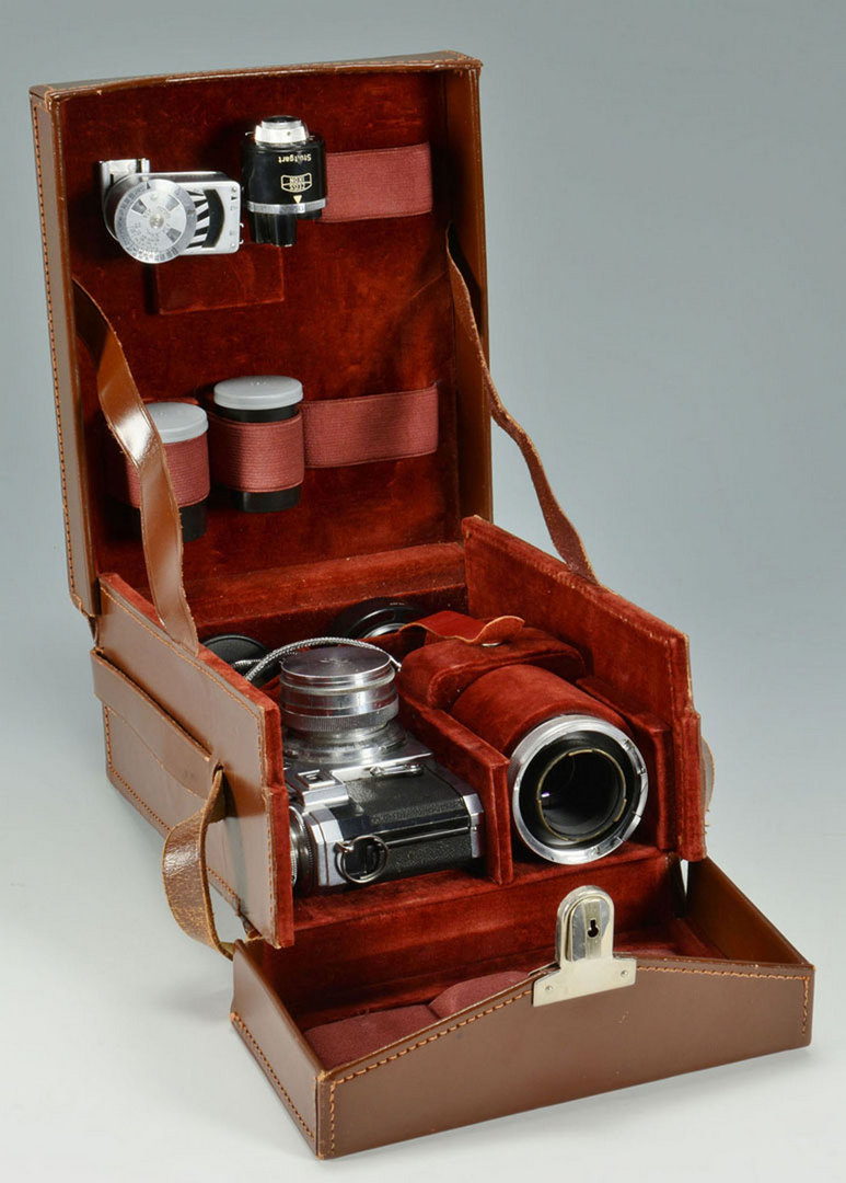 Lot 693: Zeiss Ikon Contax Camera w/ Accessories