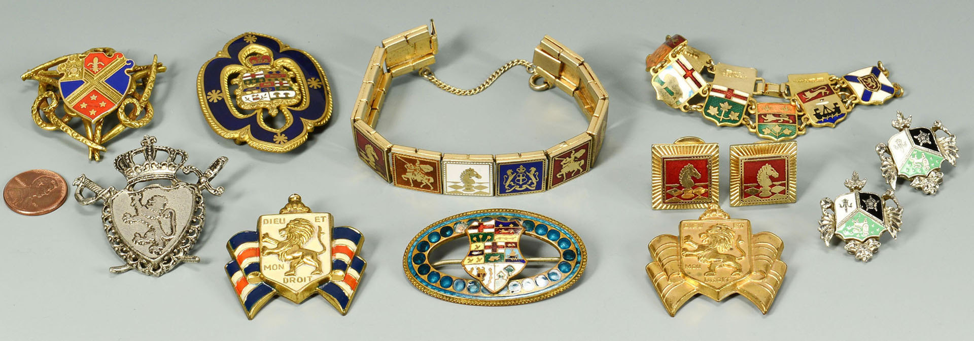 Lot 720: 10 pcs enameled Jewelry inc. War Relief