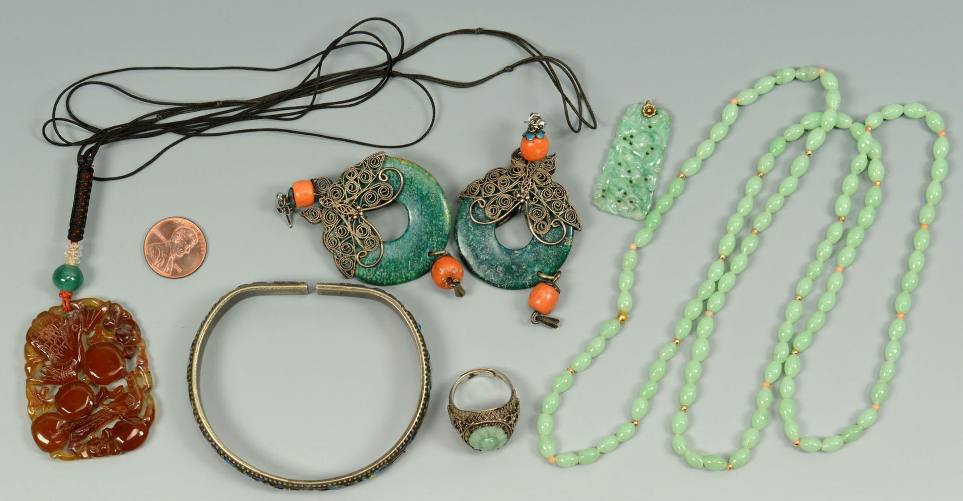 Lot 723: 6 items Chinese Jewelry