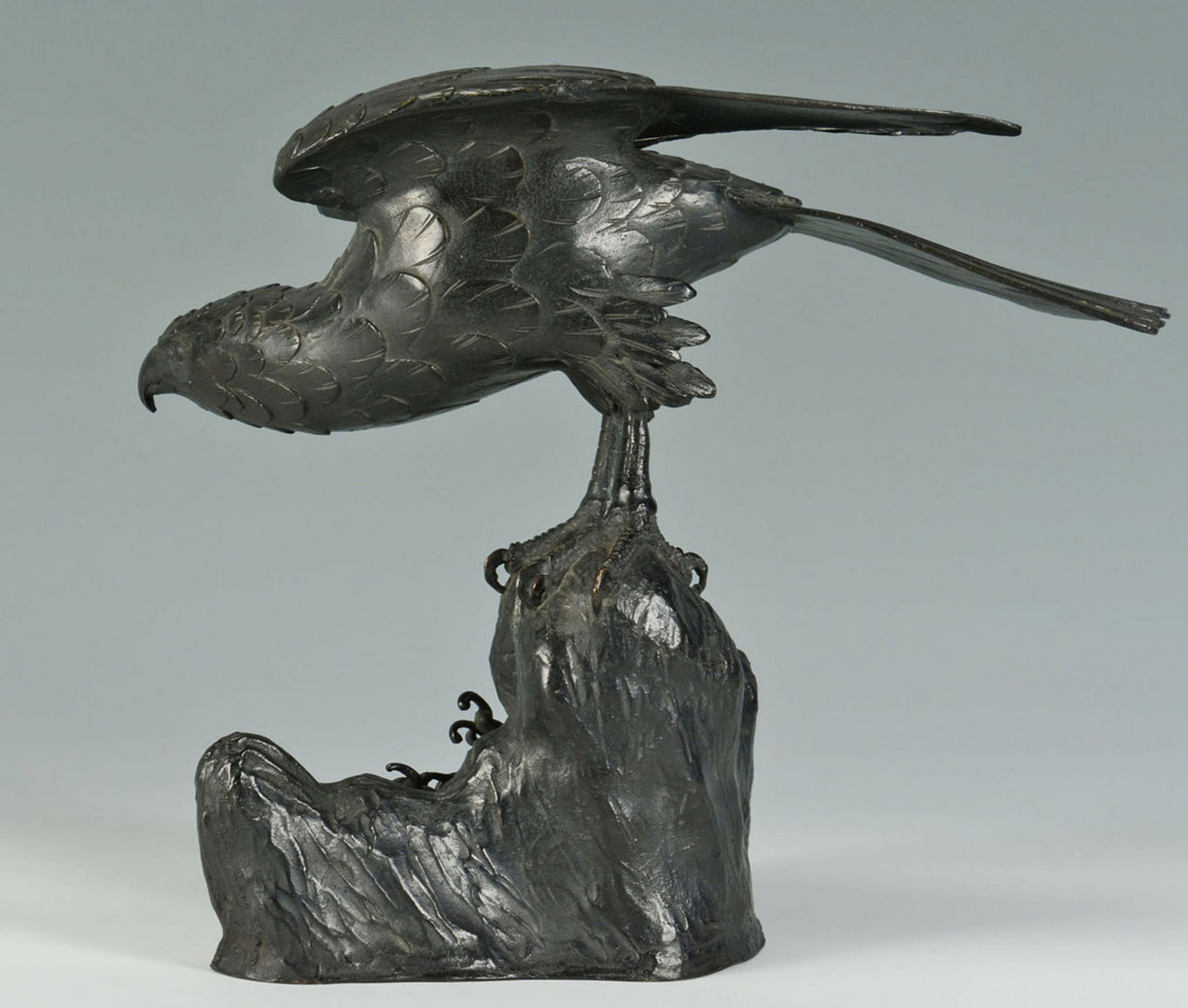Lot 7: Bronze Bald Eagle sculpture, Chinese