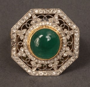 Lot 100: 18K & Platinum, Emerald & Dia. ring, Belle Epoche-style