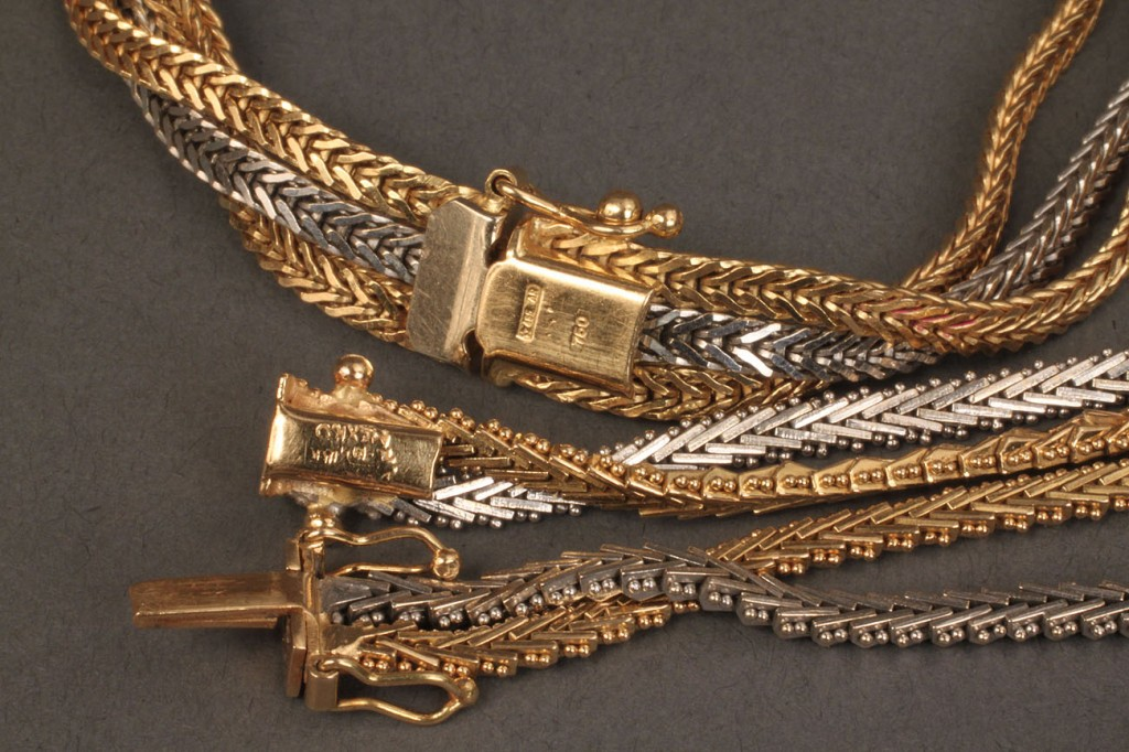 Lot 105: Lot of 2 marked yellow & white gold bracelets