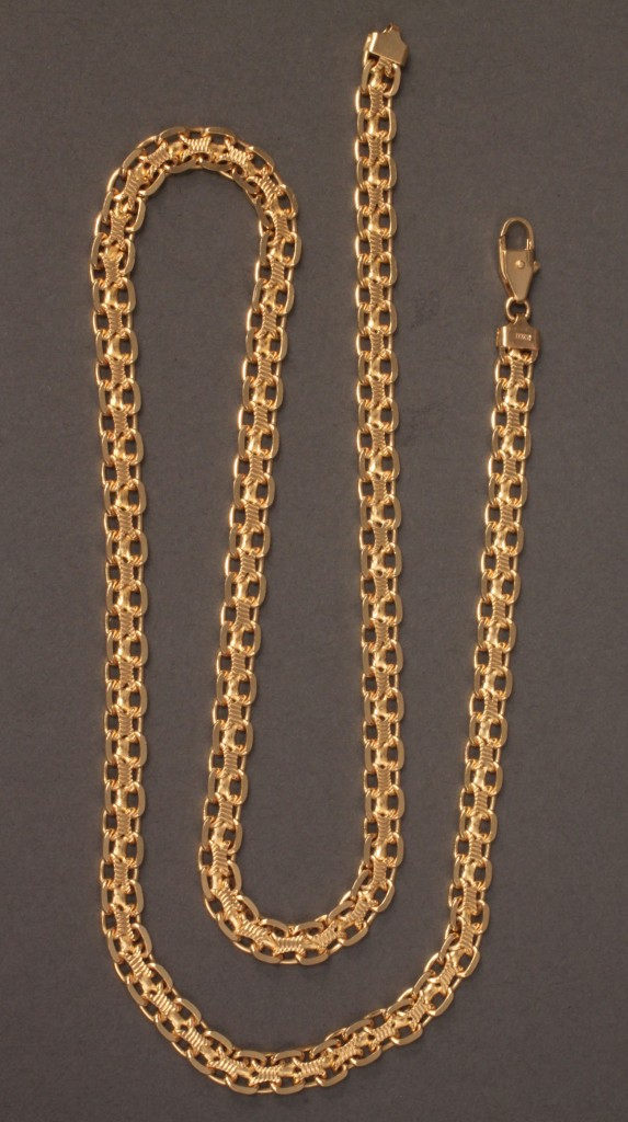 "Lot 114: 14K yellow gold square-link chain, 23-3/4"" long"