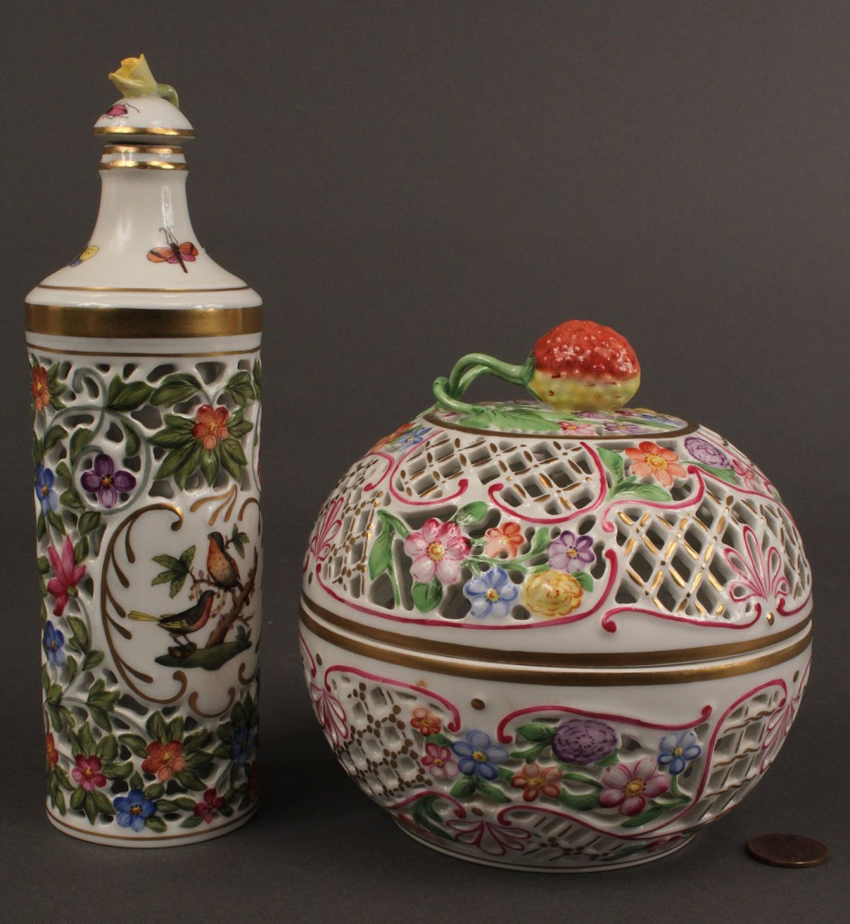 Lot 136: Lot of 2 Herend Items: Openwork Ball & Bottle