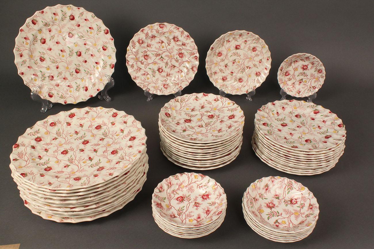 & Lot 138: Copeland Spode dinnerware Rosebud Chintz pattern 121 pcs.