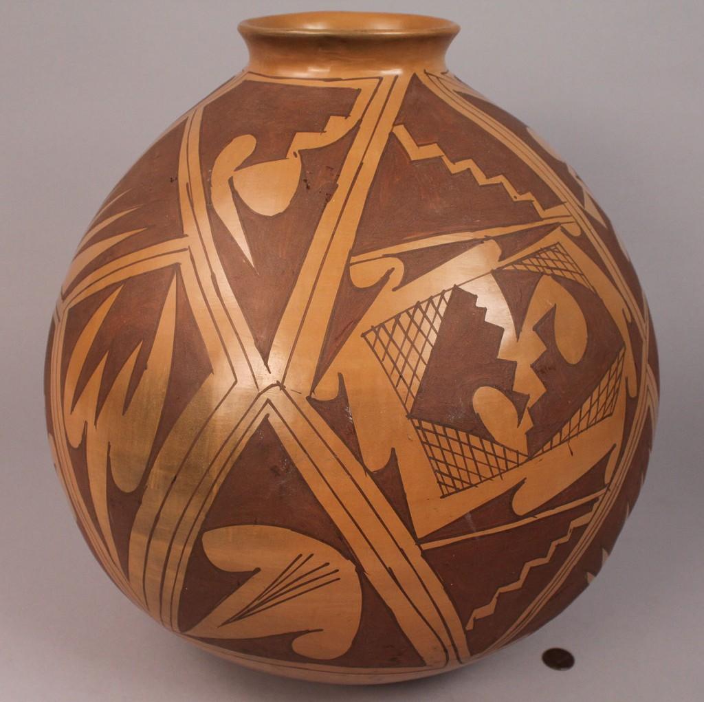 Lot 16: Large Southwest Polychrome Jar, Acoma