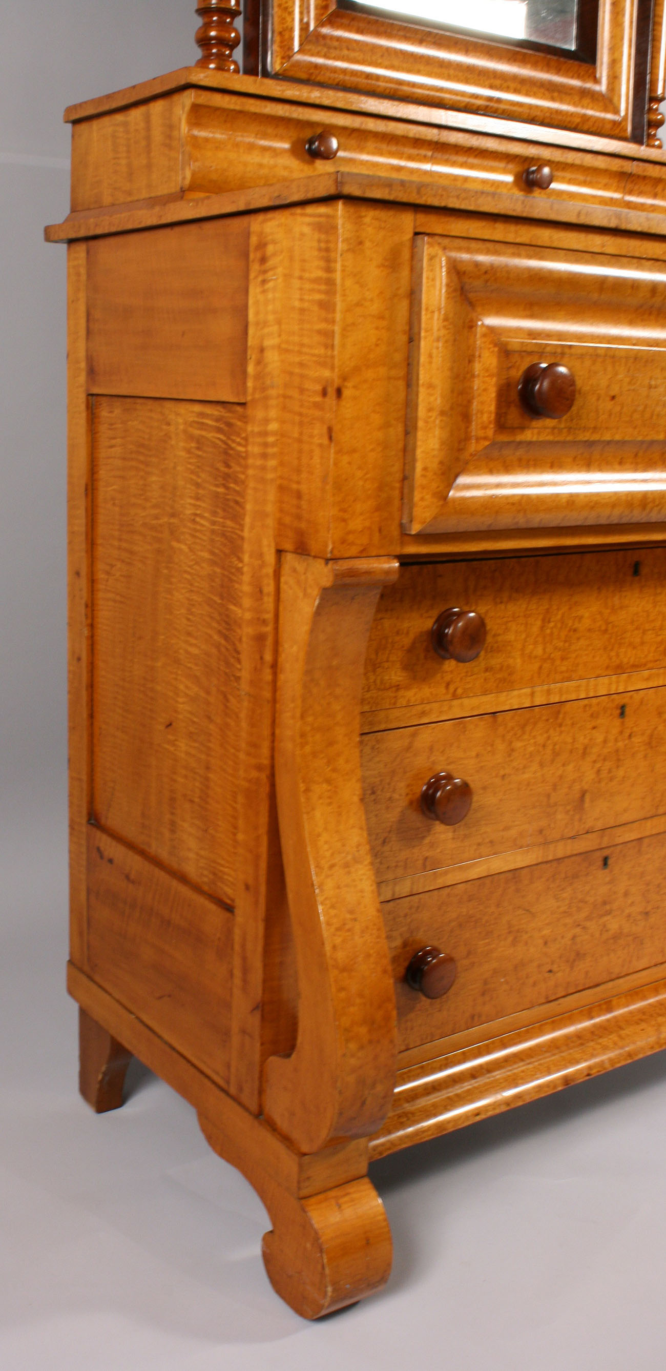 Auctions In Ohio >> Lot 187: Early Empire Tiger Maple & Cherry Dresser