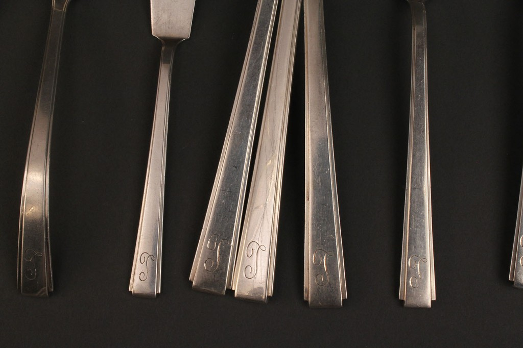 Lot 219: Lunt Silver Flatware, Modern Classic Pattern, 63 pieces