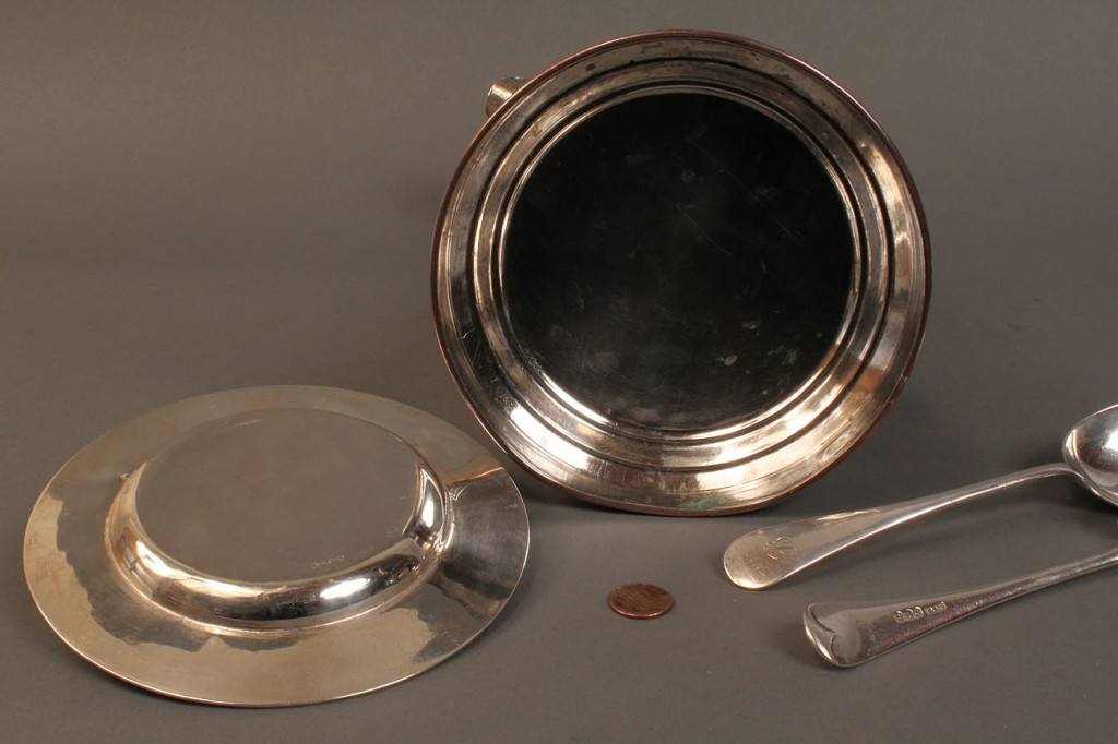 Lot 226: 4 pcs. assorted silver: flagon, spoons & plate
