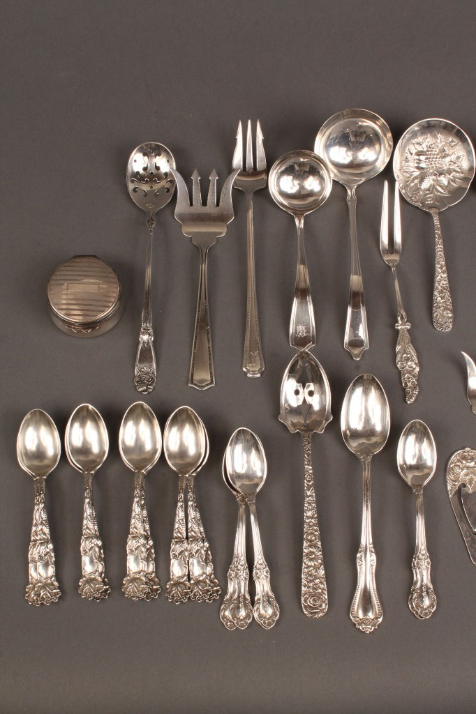 Lot 233: Assorted Sterling Lot, mostly flatware (40 pcs)