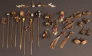 Lot 250: Assd. 14K Stick Pins & earrings