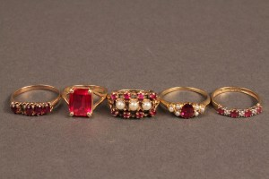 Lot 255: Lot of 5 Ladies Gold Rings