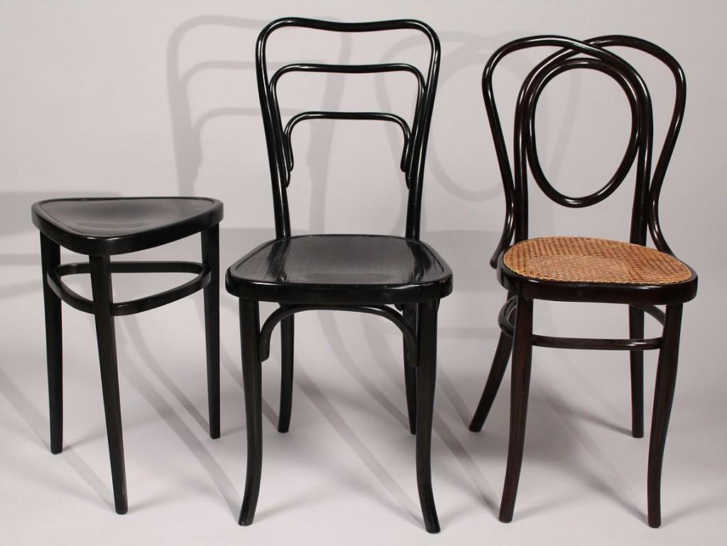 Lot 302: 3 pcs. Thonet Bentwood furniture, ebonized finish