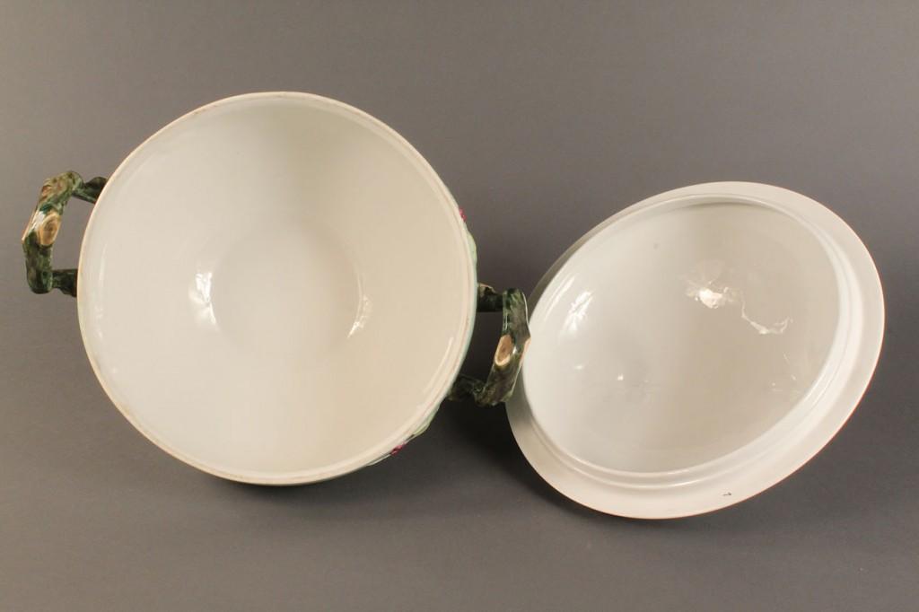 Lot 350:  Soup tureen with platter, Vista Alegre