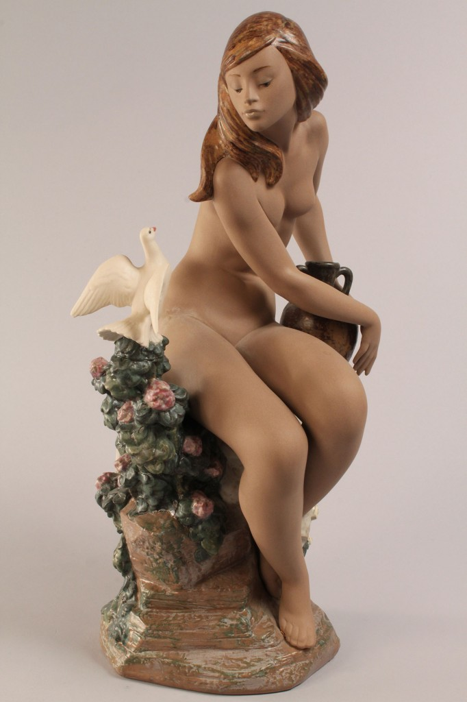 Lot 354: Lladro Nude with Dove