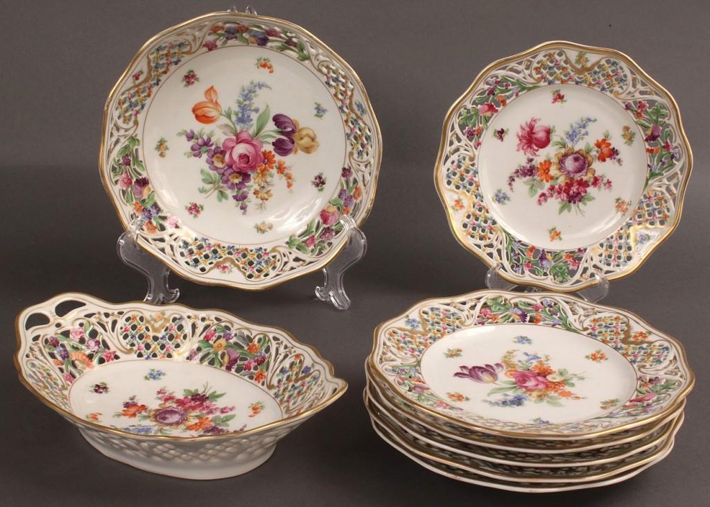 """Lot 362: Schumann Bavaria """"Chateau Dresden"""" dinnerware, 8 items"""