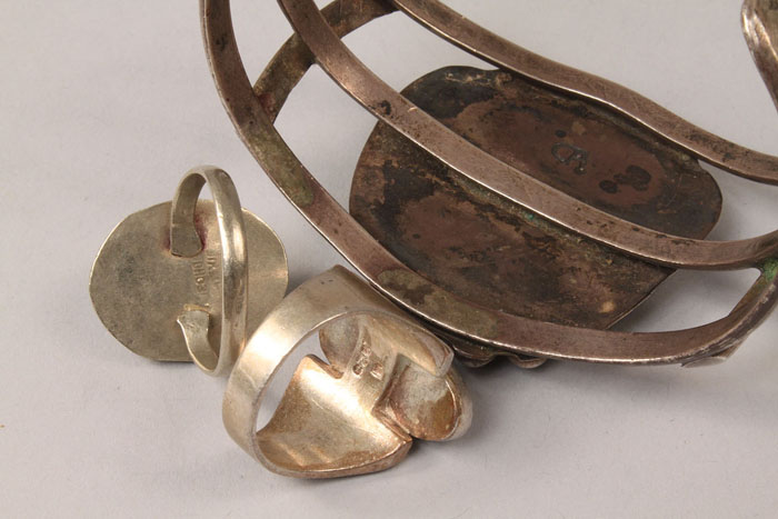 Lot 376: Navajo jewelry and Sterling silver case