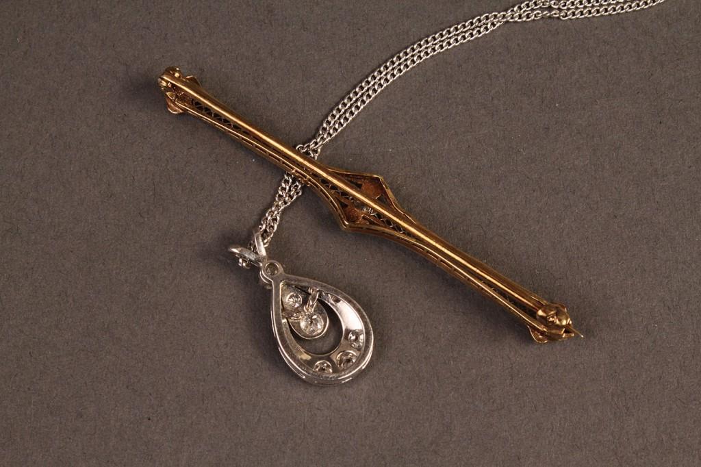 Lot 380: Diamond pendant and diamond bar pin